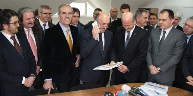 Bakan Müezzinoğlu'ndan mahalle başkanına terleten sorular