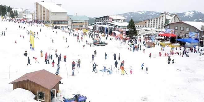 Uludağ`da kar kalınlığı 2 metreyi geçti