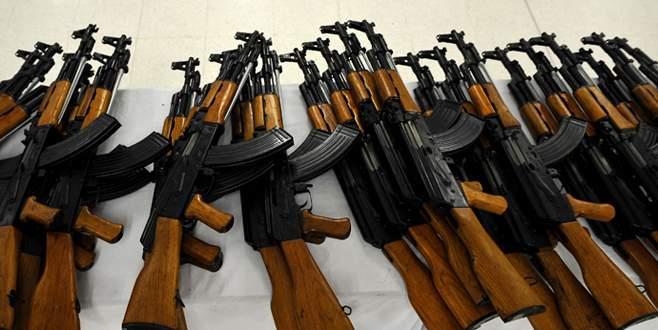 Türkiye'ye gönderilecek kaçak silahlara el kondu
