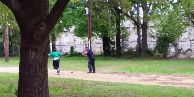 Polis siyahi adamı öldürdükten sonra…