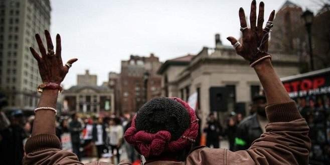 Polis şiddetine protesto