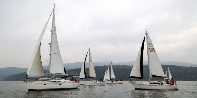 Bursa'da yelken yarışları