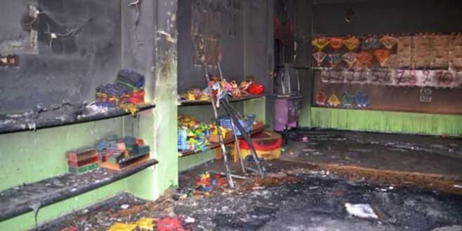 Okulu ateşe verdiler