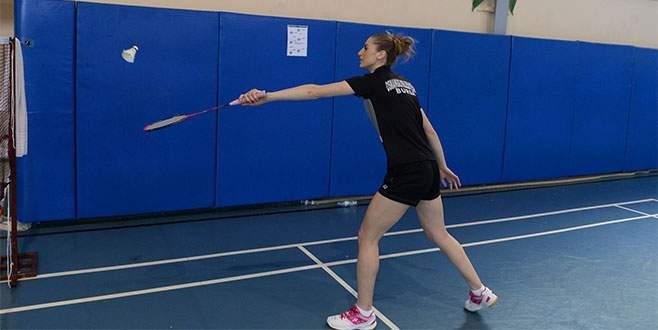 Osmangazili badmintoncuların hedefi olimpiyatlar