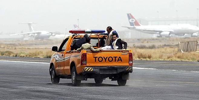 El-Kaide Reyan Havaalanı'nı ele geçirdi
