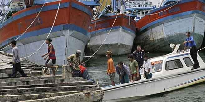 Endonezya'da 500 'köle balıkçı' kurtarıldı