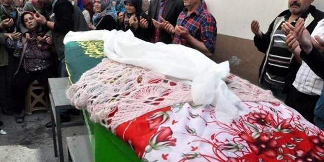 Düğün öncesinde öldürülen genç kız böyle uğurlandı