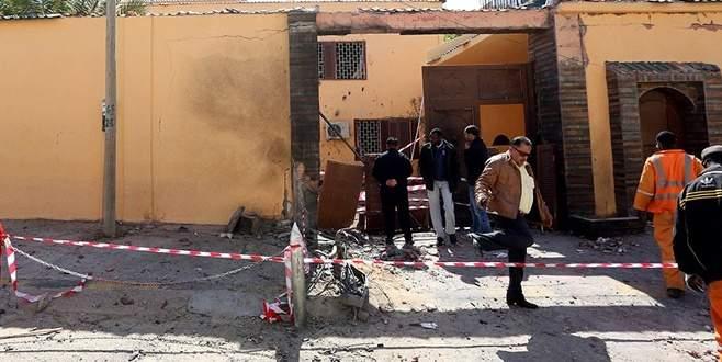 O ülkede elçiliğe bombalı saldırı