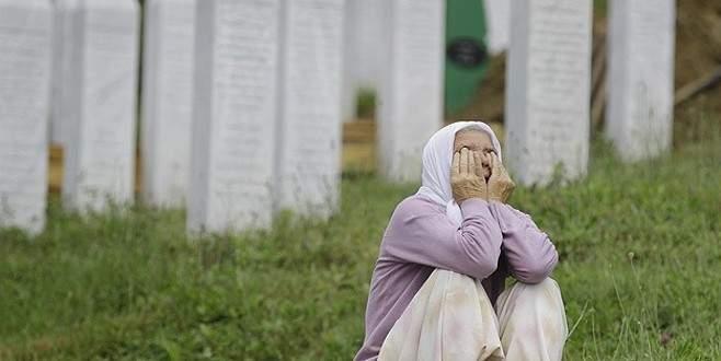 'Srebrenitsa anneleri' Papa'ya tepkili