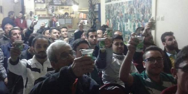 Taraftardan Bursaspor'a ayranlı destek