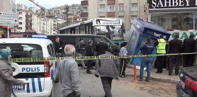 Freni boşalan özel halk otobüsü dehşet saçtı!