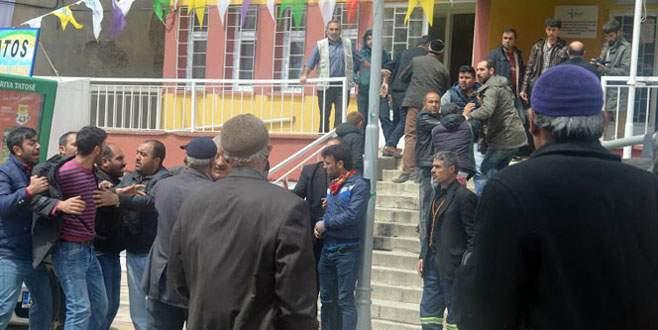 AK Parti vekil adayına sopalı saldırı!