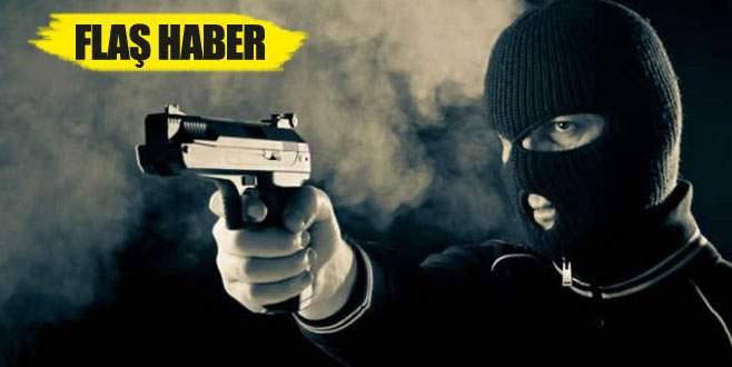 Güpegündüz silahlı banka soygunu!