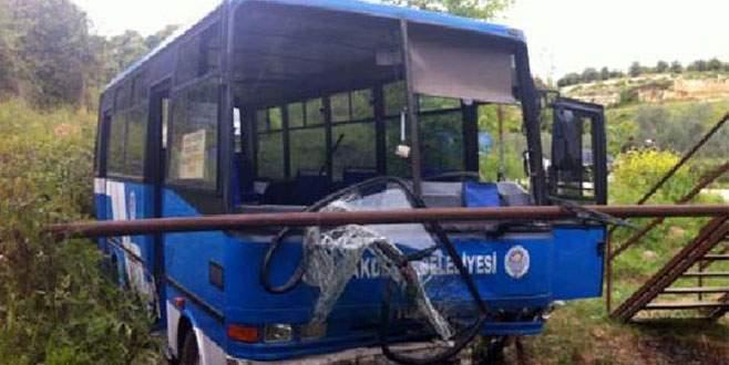 Öğrenci otobüsü uçuruma yuvarlandı!