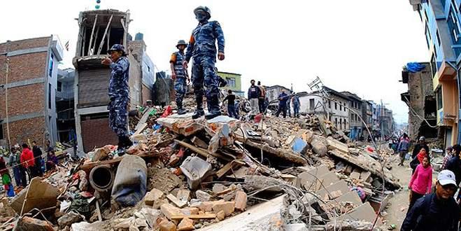 Nepal'deki depremde ölenlerin sayısı yükseliyor