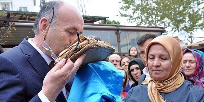 Şehidin Kur'an'ı Müezzinoğlu'na hediye edildi