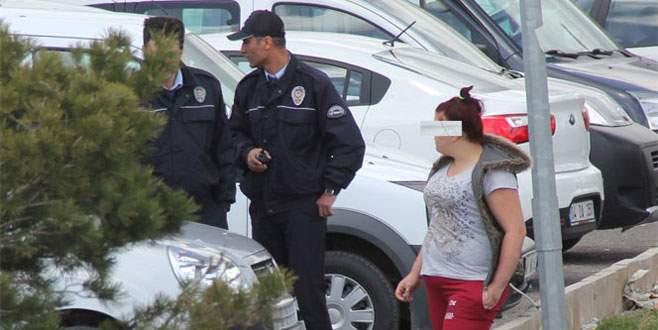 16 yaşındaki kız polise zor anlar yaşattı
