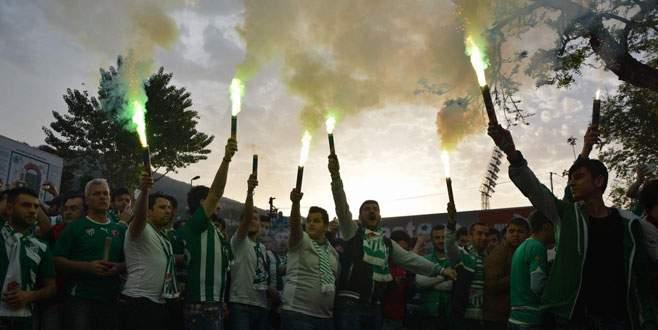 Bursaspor'a statta coşkulu karşılama