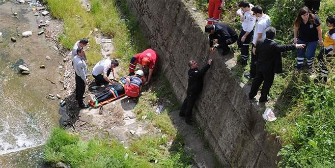 Bursa'da polis silahını ararken yaralandı!