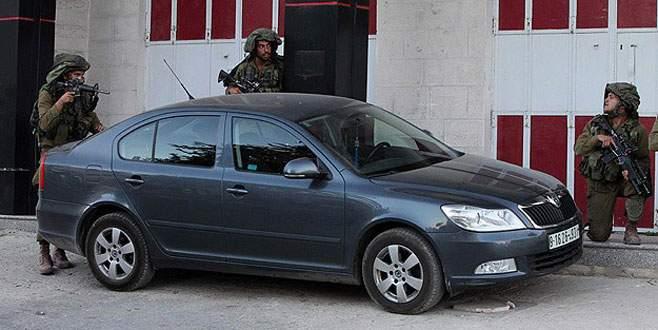 İsrail askerleri döviz bürolarına baskın düzenledi