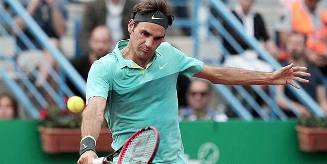 Federer şampiyon