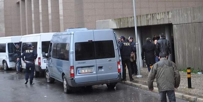 İzmir'de 'Paralel Yapı' operasyonu: 7 gözaltı