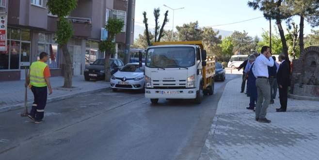 Orhangazi caddeleri temizleniyor