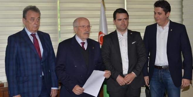 Bursaspor'da bir başkan adayı çekildi