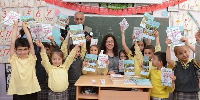 Öğrencilere kitap armağanı