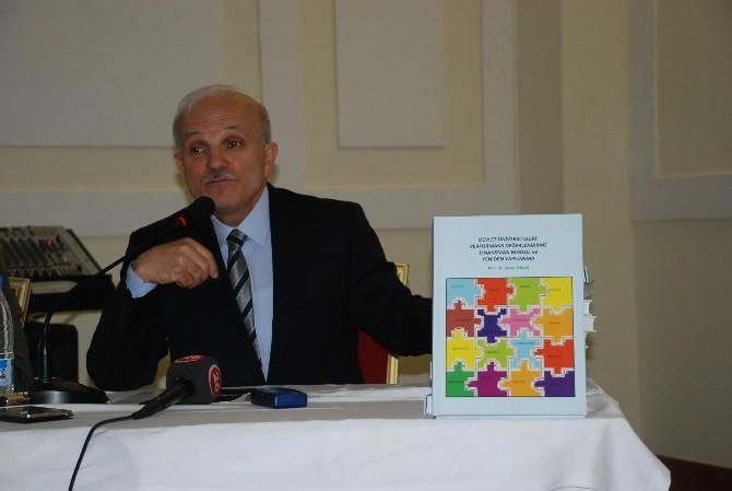 Prof. Dr. Tosun Üniversitelerin Performans Değerlendirmelerini Kitaplaştırdı