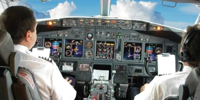 Ülkedeki 800 pilottan 250'si istifa etti