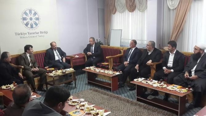 Eski Sağlık Bakanı Prof. Dr. Recep Akdağ Erzurum Sivil Toplum Platformu'nu Ziyaret Etti