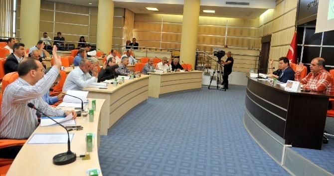 Kepez'de 2014 Yılı Bütçe Kesin Hesabı Görüşülerek Onaylandı