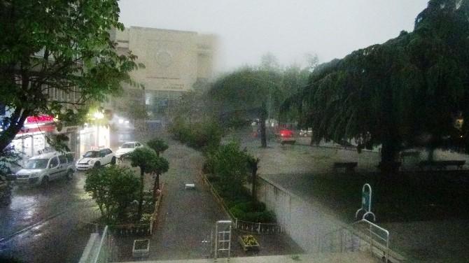 Tekirdağ'da Fırtına Ve Sağanak Yağış
