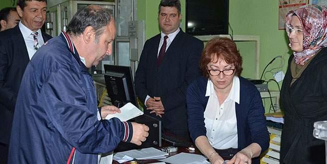 Gümrük kapılarında oy kullanma işlemi başladı