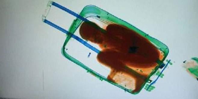 Bavulun içinden 8 yaşında bir çocuk çıktı