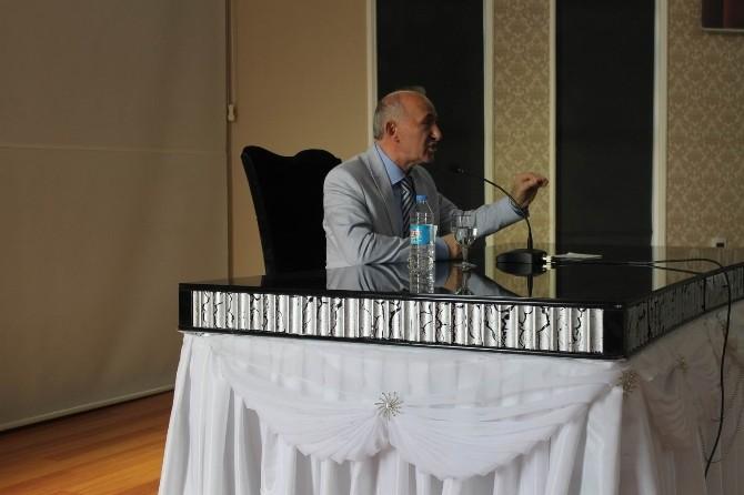 Prof. Dr. Ahmet Şimşirgil Erzincan'da Konferans Verdi
