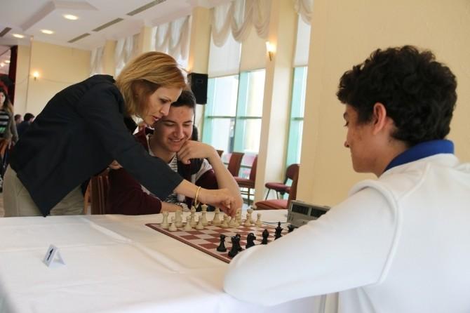 15. Geleneksel Bahar Kupası 19 Mayıs Satranç Turnuvası Başladı