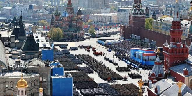 Rusya'dan gövde gösterisi