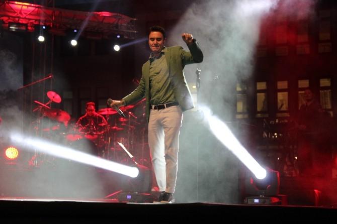 Karaman'da Mustafa Ceceli Konseri