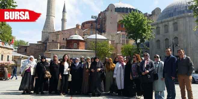 Orhangazi Belediyesi'nden annelere İstanbul gezisi