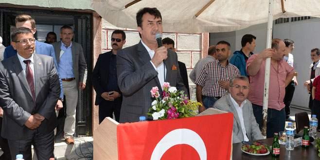 Başkan Dündar köy hayrına katıldı