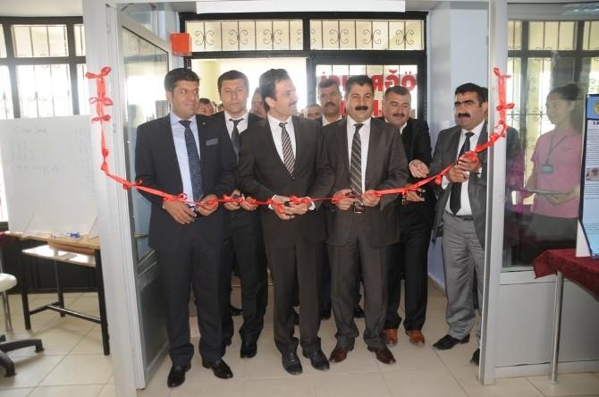 Cizre Fen Lisesi'nde 'TÜBİTAK Bilim Fuarı' Açıldı