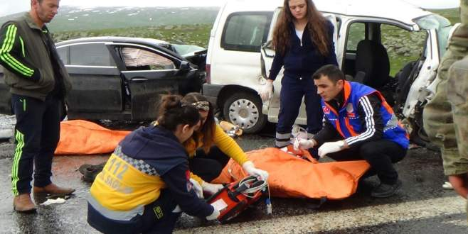 Katliam gibi kaza: 6 ölü, 14 yaralı