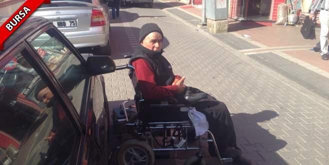 Ehliyetsiz sürücü engelli vatandaşa çarpıp kaçtı