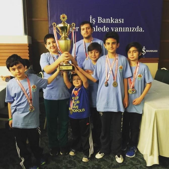 Büyükşehir Belediyesi Satranç Takımı Şampiyon Oldu