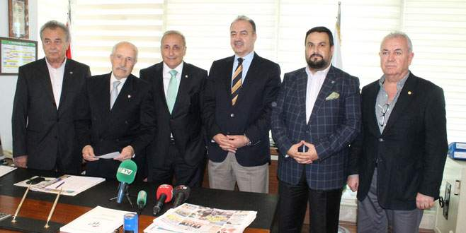 Bursaspor'da başkan adayı Timur Noyan listesini verdi