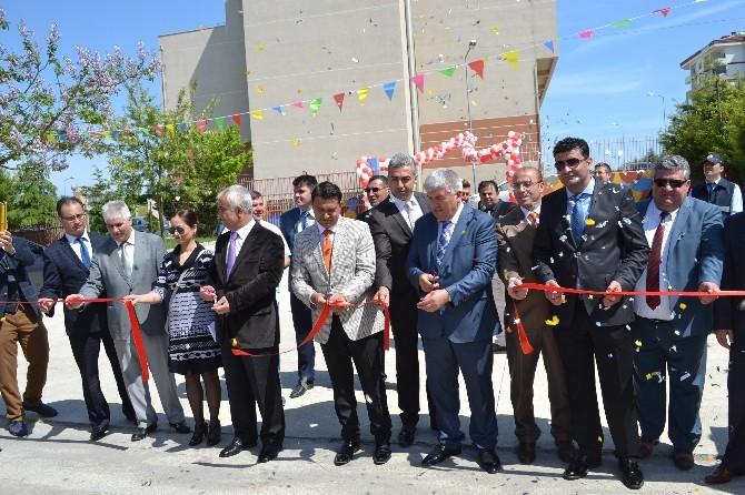 Kapaklı Yıldızkent Ortaokulu'nda Bilim Fuarı Açıldı