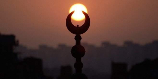 İslam'ı yasaklamak için resmi teklif sunuldu