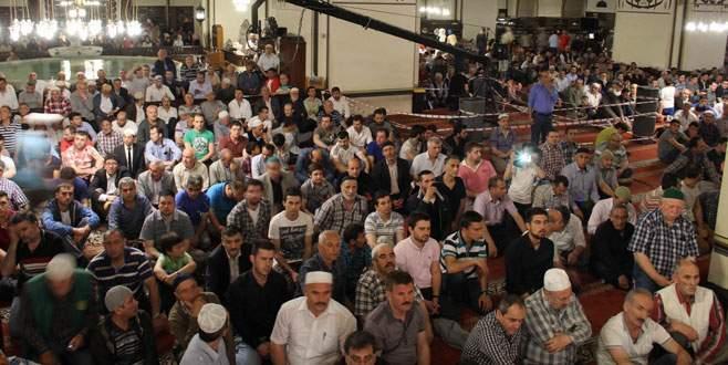 Bursa'da Miraç Kandili'nde camiler doldu taştı